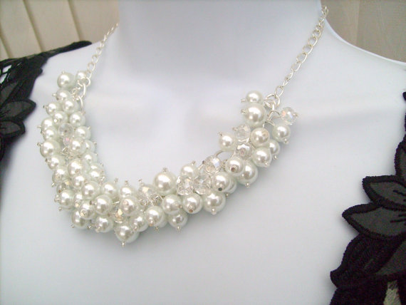 Mariage - Bridal Jewelry, Beaded Necklace, Cluster Pearl Beaded Necklace, Cluster Necklace , Chunky Pearl Necklace, White Pearl Bridal Jewelry