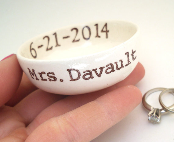 Mariage - CUSTOM WEDDING GIFT idea wedding ring pillow bridal shower gift mrs ring dish hers ring holder personalized names wedding date ring bowl