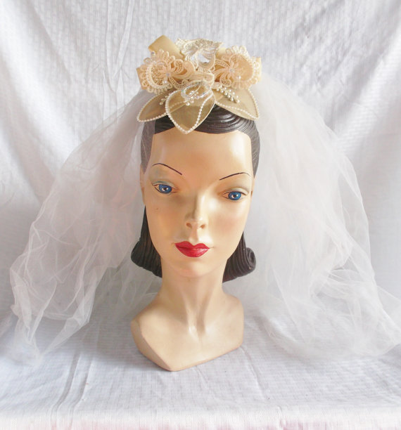 Mariage - Clearance 1970's 1973 Wedding Bridal Veil Hat with Pearls Beads and Rhinestones