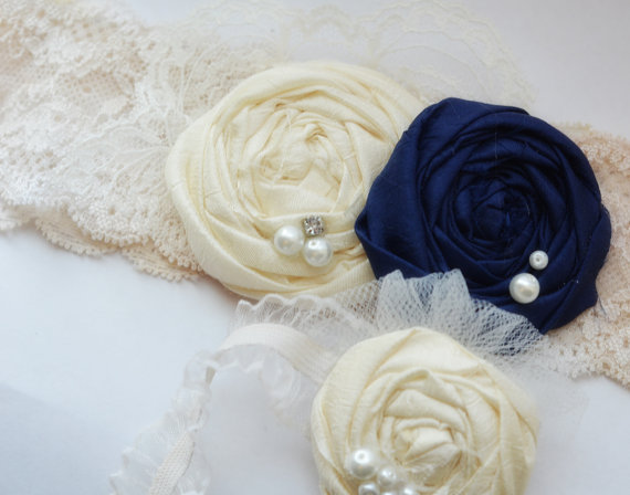 Hochzeit - Ivory Lace and Navy Blue Bridal Garter- Vintage Wedding Garter Set