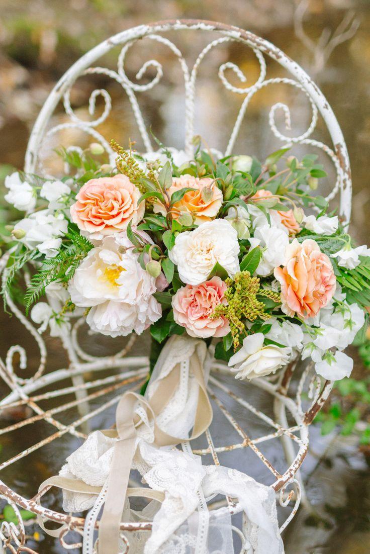 Свадьба - Simple Yet Elegant Natural Wedding