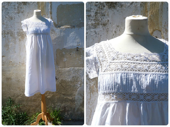 Свадьба - Vintage Antique old French 1900 Edwardian white cotton dress underdress adorned with handmade cotton lace size S