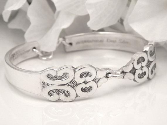 Mariage - Spoon Bracelet, Spoon Jewelry, Silverware Jewelry, Bridesmaids Bracelet, Bridesmaid Gift, PERSONALIZED, FREE ENGRAVING - 1968 Triumph