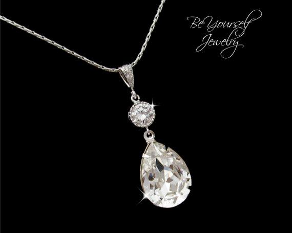 Свадьба - Bridal Necklace Swarovski Crystal Teardrop Pendant Sparkly White Crystal Cubic Zirconia Necklace Vintage Wedding Jewelry Bridesmaid Gift