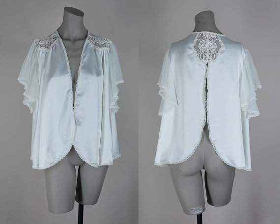 Mariage - Vintage 80s Lingerie / 1980s White Satin and Lace Bed Jacket or Open Blouse One Size