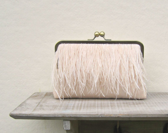 Mariage - Ostrich feather clutch, nude bridal clutch, peach wedding purse, peach wedding, nude bridesmaid clutch, clutch with chain, constance clutch