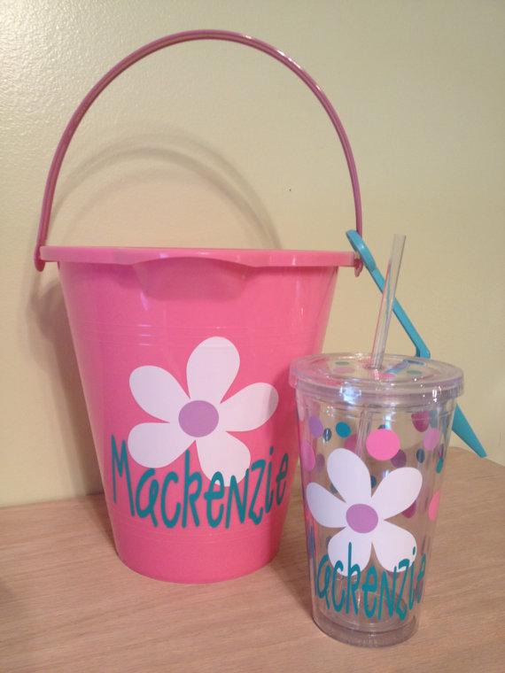زفاف - Beach wedding, Flower girl Gift set - Personalized sand pail, bucket with shovel and acrylic insulated tumbler - name or monogram