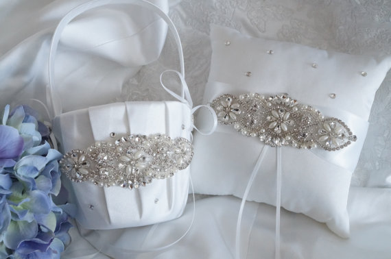 Свадьба - Flower Girl Basket, Ring Bearer Pillow, Wedding Basket and Pillow Set - Style 330
