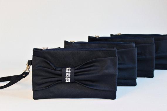 Свадьба - Promotional sale  -Set of 5  - NAVY  Bow wristelt clutch,bridesmaid gift ,wedding gift ,make up bag,zipper , navy