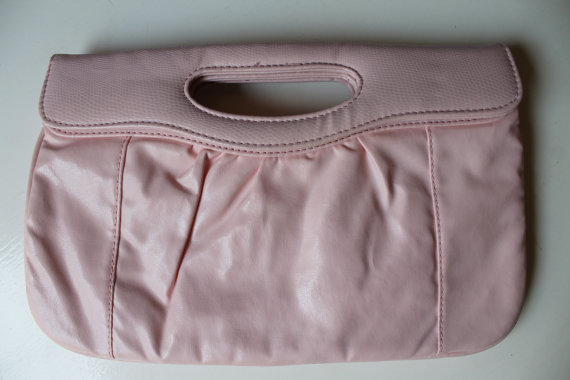Mariage - 70s pastel pink clutch perfect for wedding Pink Purse bag Pastel pink light pink 70s clutch with reptile detail/ can be used as shoulderbag