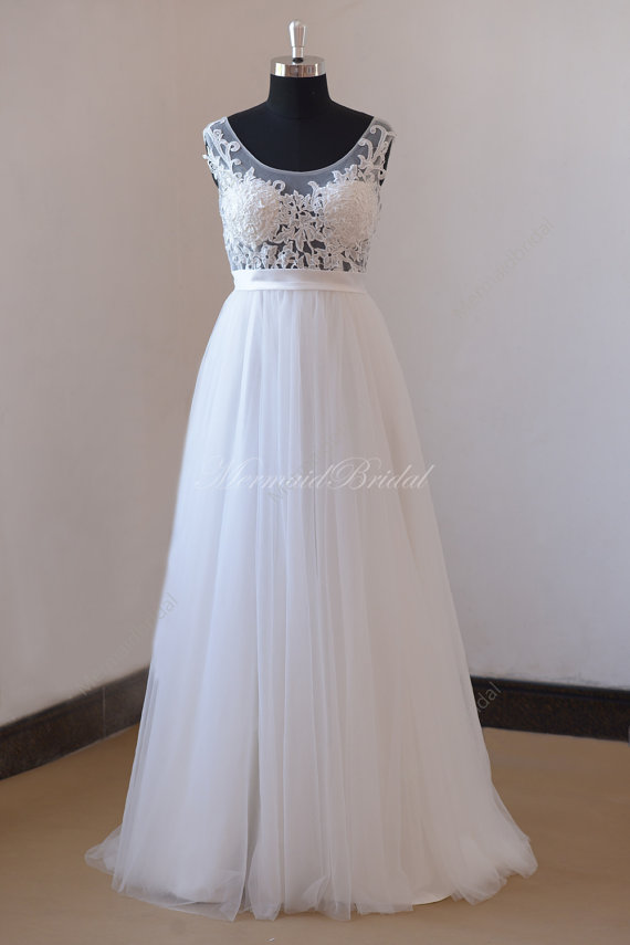 Romantic Ivory A Line Sheer Beach Lace Tulle Wedding Dress With Built In Bra