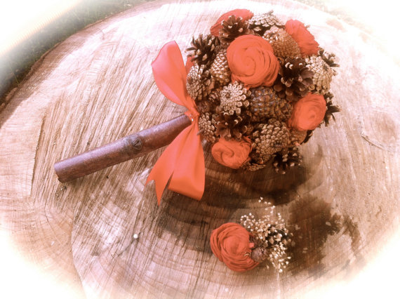 Hochzeit - Rustic pine cone bridal bouquet red country winter fall weddings
