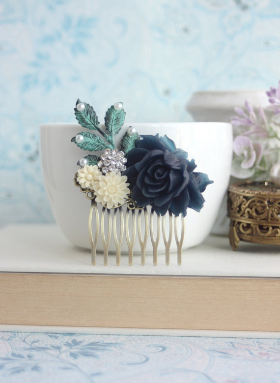 زفاف - Dark Navy Blue, Leaf, Pearls, Rhinestones, Ivory Flower Hair Comb. Bridesmaid Gifts. Navy Rustic Wedding, Bridal Hair Piece. Something Blue
