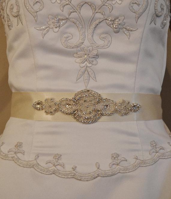 Mariage - Wedding Sash, Rhinestone Bridal Sash, Black, Ivory or White  Wedding Belt,  Rhinestone Applique. Bridesmaid Sash