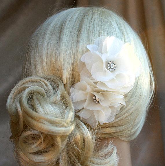 زفاف - Silk organza flowers hair clip for wedding reception bridal party  wedding hair piece - 2 ivory peonies