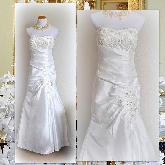 Hochzeit - Vintage Strapless Wedding Gown Beaded Dress Lace Embroidery Bridal Fit and Flare Taffeta Simple Embellished Dresses