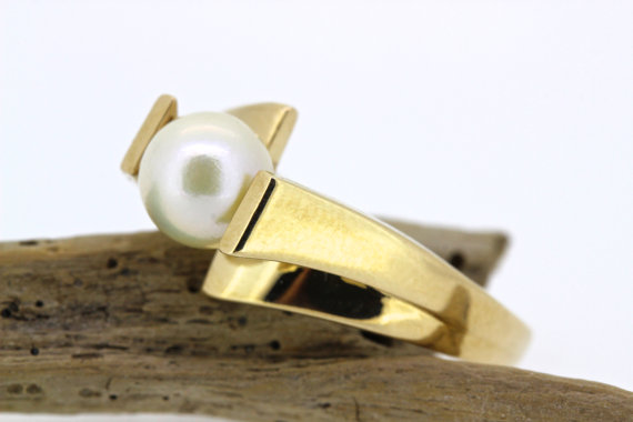 Свадьба - Vintage Pearl Engagement Ring