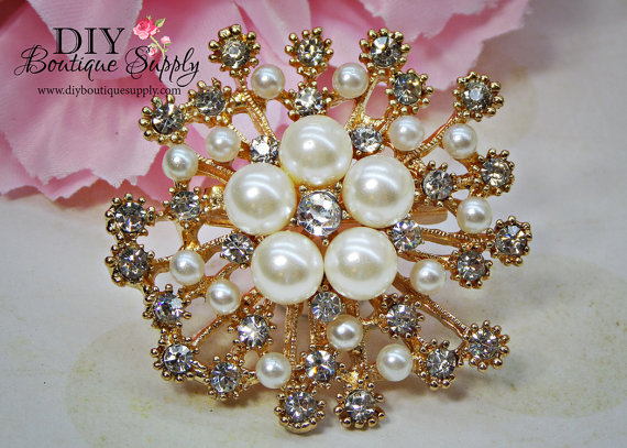 Mariage - Gold Pearl Brooch Gold Rhinestone Brooch wedding bridal Brooch Bouquet Crystal Booch Pin Wedding Bridal Accessories 50mm 853170