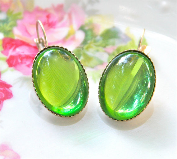 Wedding - Peridot Green Glass Oval Silver Plated Scalloped Lever Back Vintage Drop Dangle Earrings - Wedding, Bridal , Beach , Bridesmaid
