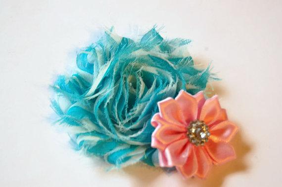 Свадьба - Dog collar flowers. Blue chevron and light pink, dog collar, dog collar bling, collar Flowers, Wedding Dog Flowers, Bows for Dogs, Dog Bows