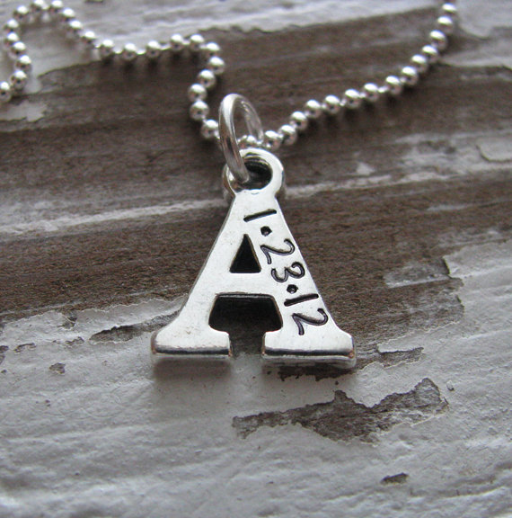 Hochzeit - personalized initial necklace - customize with date