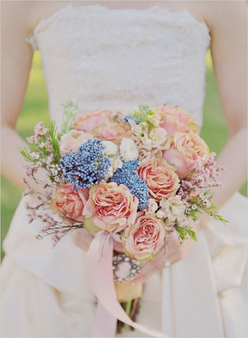 Mariage - Celebrate With Flowers