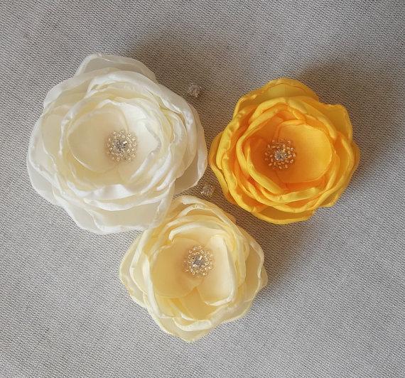 Wedding - Cream pale yellow silk flowers in handmade, Bridal hair piece birdcage veil fascinator Bridesmaids dress sash Ornament, Flower girls gift