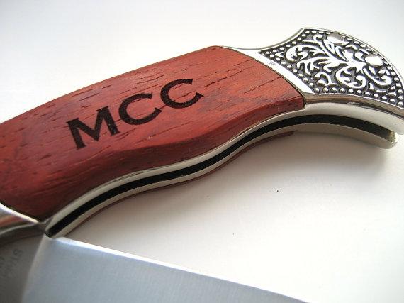 Hochzeit - Engraved Knife - Wood Handle Pocket Knife – Personalized Groomsmen Gift - Monogrammed Engraved Pocket Knife - Wedding Party Gift