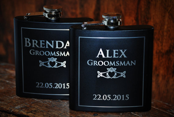 Mariage - 9 flasks Wedding party 9 engraved Flasks, Groomsmen flask, Best man flask, Custom engraved 6oz flask., flask, personalized flask,