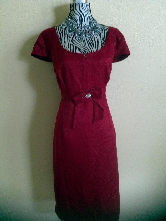 Свадьба - Vintage Garnet Red Brocade  Short Evening Dress/ Fromal Dress/ Graduation,Wedding,Engagement Dress by Sandra Darren size 12
