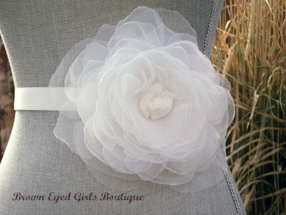 Mariage - Ivory Organza Flower Bridal Sash, Ivory Bridal Belt, Ivory Wedding Belt