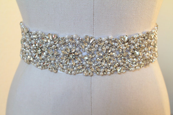 Mariage - Bridal beaded glam crystal & pearl sash.  Luxury rhinestone wedding belt. COUNTESS