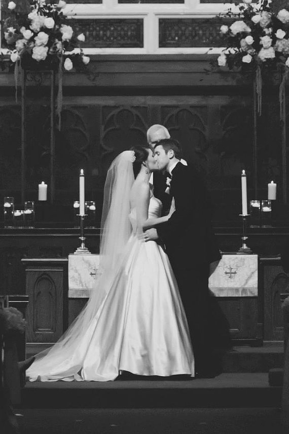Mariage - Circular Two tier chapel Wedding Bridal Veil 90 inches white, ivory or diamond