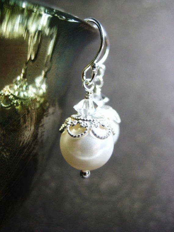 Mariage - Bridal Earrings, Vintage Inspired Earrings, White Swarovski Pearl, Filigree Bead Caps, Wedding Earrings, Bridal Jewelry, Elegant Sparkle