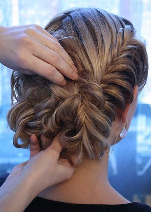Свадьба - Braided Up-Do's For Late Summer Style