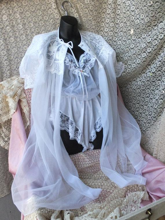 Mariage - Vintage Val Mode Sheer White Chiffon and Lace Robe / Wedding Lingerie / Small