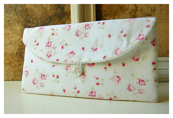 Mariage - shabby chic pink roses clutch purse Spring Wedding Bridal Clutch Pink Bridesmaid Gift Bridesmaid Clutch vintage Clutch Wedding Accessory