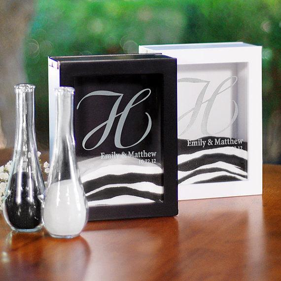زفاف - SALE!  Personaized Unity Sand Ceremony Set Wedding Day Alternative to Candle Shadow Box