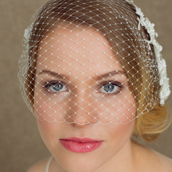 Wedding - Wedding Birdcage Veil with Lace, 9 inch Bridal bandeau veil, Bridal Birdcage Veil, Wedding Veil, Blusher Veil, Lace Bird Cage Veil
