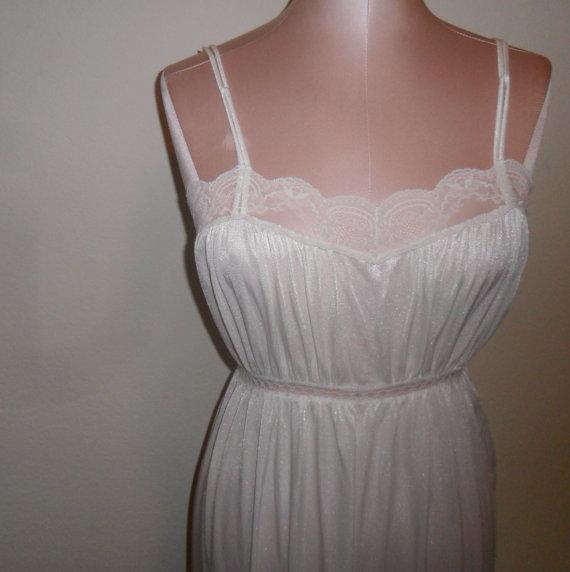 Свадьба - Vintage White Nightgown Negligee Bridal Wedding