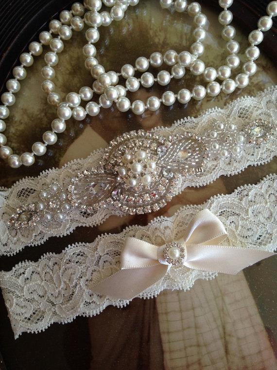 Mariage - SALE-Wedding Garter-Garter-Bridal garter-Pearl-Ivory Lace-Rhinestone-Applique-Pearls-Belt-Ivory-Vintage-Stretch lace