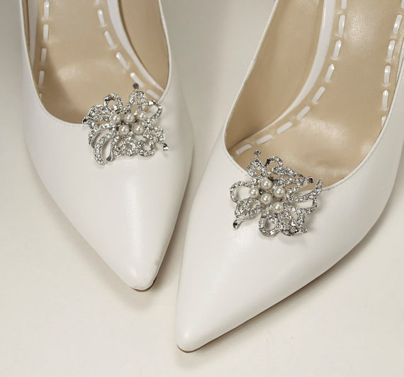 Mariage - bridal shoe clips, wedding shoe clips, crystal shoe clips, pearl shoe clips, shoe embellishments, bridesmaid shoes - ready to ship -MAGGIE