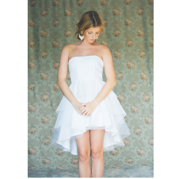 Hochzeit - Short white strapless wedding dress, tiered asymmetric tulle wedding dress