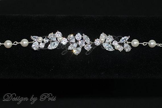 Mariage - Bridal Jewelry Bracelet Wedding Jewelry Pearls Bridal Bracelet - Bridal Clear Rhinestone and Swarovski White Pearls Bracelet