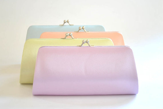 زفاف - Set of 8 Satin Bridesmaid clutches / Wedding clutches - Custom Color