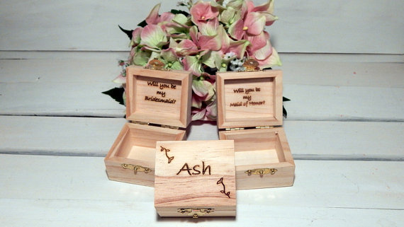 Hochzeit - Personalized Set of THREE Bridesmaid Little Favor Boxes for Rustic Weddings, Maid of Honor, Will you be my Bridesmaid
