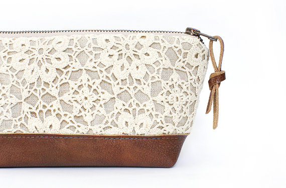 Mariage - Linen and Lace clutch, Leather clutch, Brown leather bag, Makeup bag, Travel bag, Zippered pouch, Bridesmaid clutch, Rustic wedding, Handbag