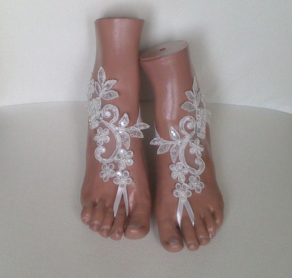 Mariage - Free ship ivory Beach wedding barefoot sandals wedding shoes prom party steampunk bangle beach anklets bangles bridal bride bridesmaid 2052B