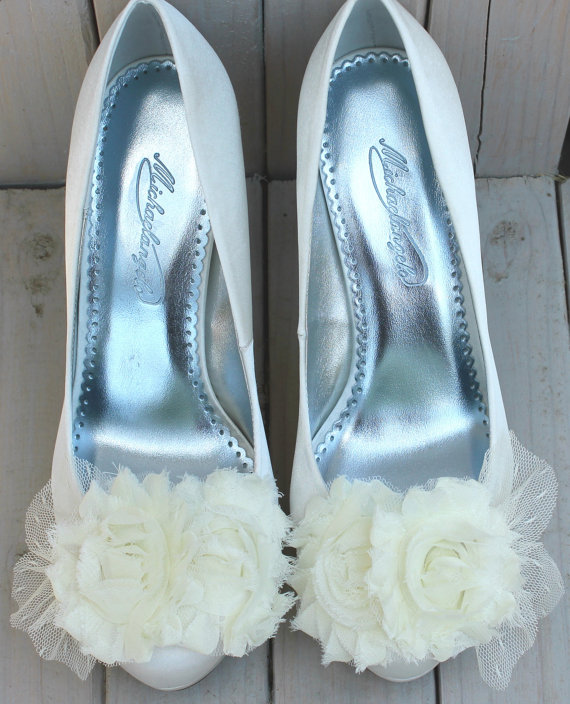 Mariage - Floral Bridal Shoe Clips with Lace Detail