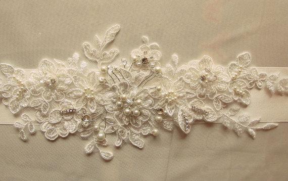 Свадьба - Ivory Crystal Beaded Flower Sash Bridal Wedding Belt 3D Applique